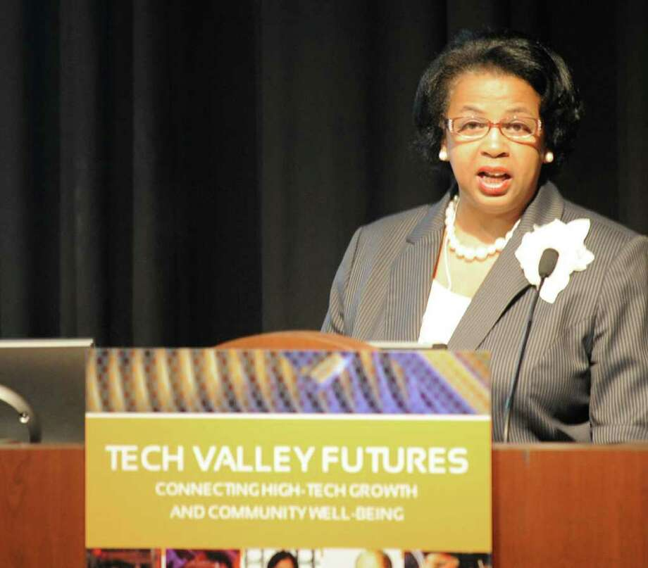 Carolyn McLaughlin, Council Member Second Ward Albany Common Council and Assistant Manager of Buisiness Process Training, NYS Teachers' Retirement System speaks at the Tech Valley Civic Forum at Hudson Valley Community College in Troy New York May 29, 2009, where recommendations were set forth to make certain Capital Region doesn't turn in to Austin, Texas when the Semiconductor industry grows.(Skip Dickstein / Times Union) Photo: Skip Dickstein / 00004197A