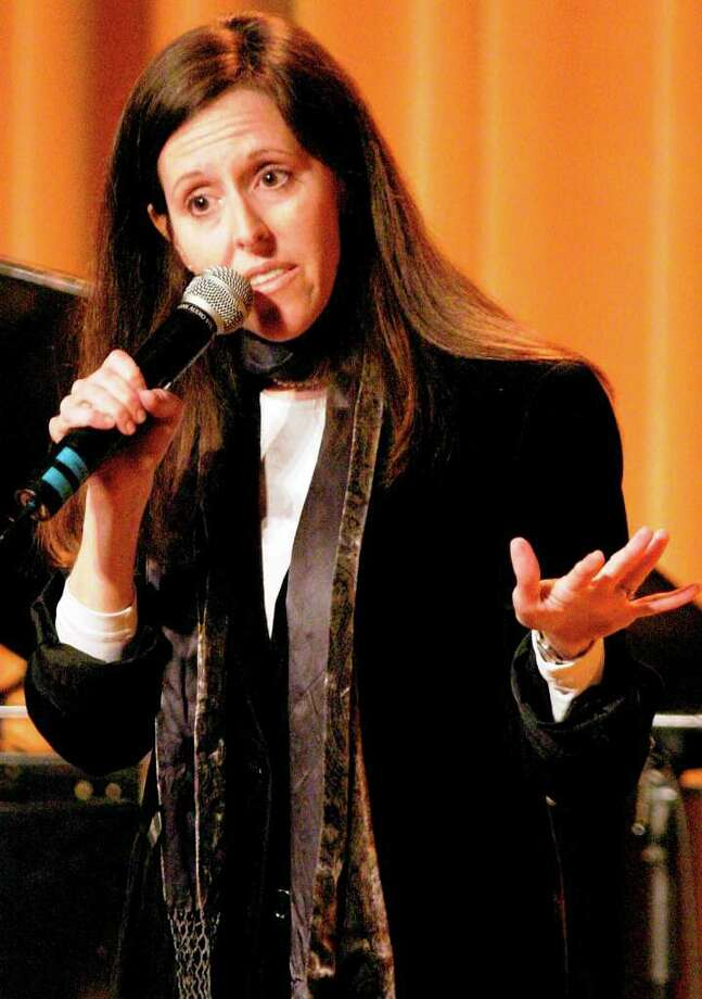 "Comedian Wendy Liebman — silly, light, sarcastic and rapid-fire — says ""I'm very close to my mother — genetically."" Photo: Giulio Marcocchi/Getty Images / 2004 Getty Images"