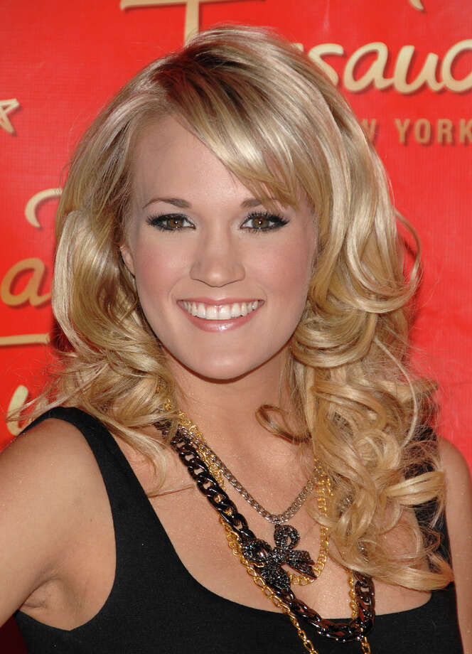 Don't let that background fool you. This is the real Carrie Underwood. Photo: Associated Press / AP2008