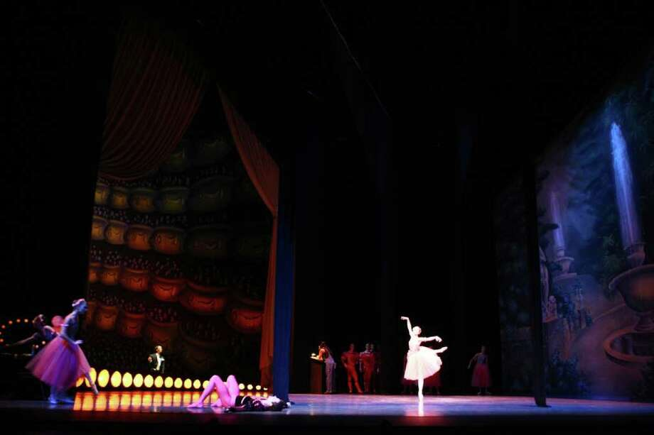 Pacific Northwest Ballet dancers perform Christopher Wheeldon's 'Variations Sérieuses.' Photo: JOSHUA TRUJILLO / SEATTLEPI.COM