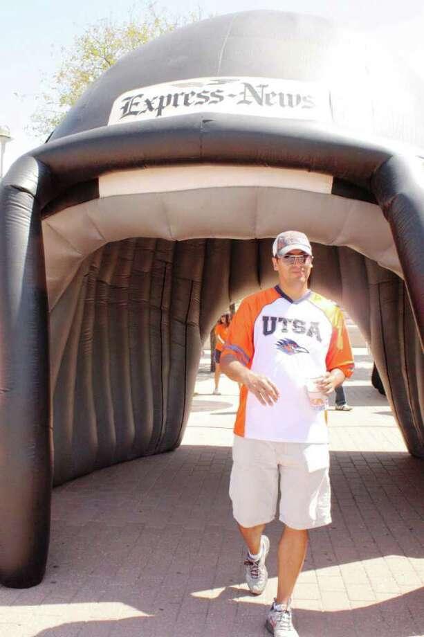 UTSA Game Day Photos – Saturday, September 24, 2011 Bacone vs. UTSA – Homecoming at Alamodome Photo: Express-News