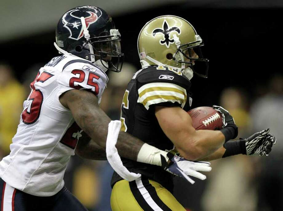 New Orleans Saints wide receiver Lance Moore (16) beats Houston Texans cornerback Kareem Jackson (25) for a 16-yard touchdown reception during the fourth quarter of an NFL football game at the Louisiana Superdome Sunday, Sept. 25, 2011, New Orleans. The Saints beat the Texans 40-33. Photo: Brett Coomer, Houston Chronicle / © 2011 Houston Chronicle