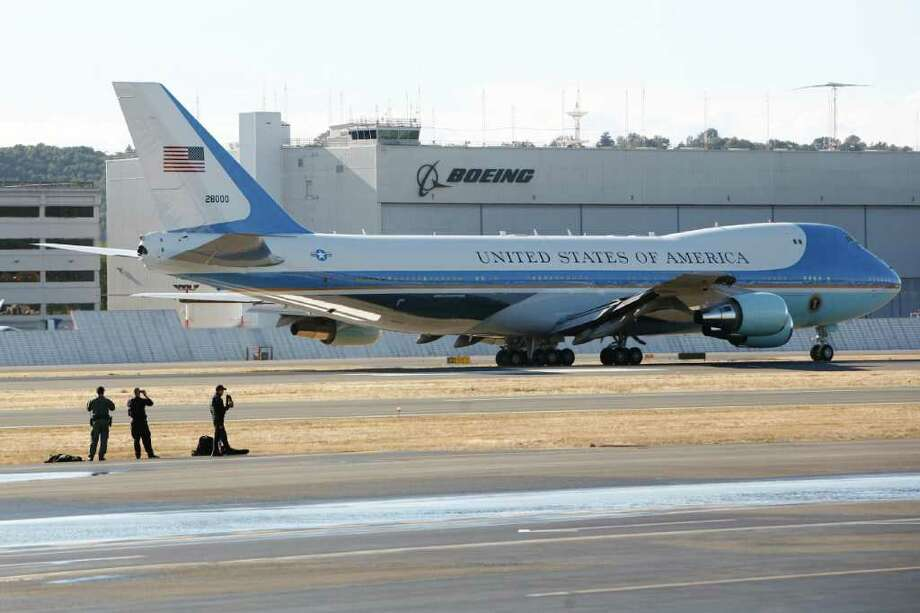 Air Force One Leaves the King County International Airport in Seattle on Sept. 25, 2011 Photo: JOE DYER / SEATTLEPI.COM