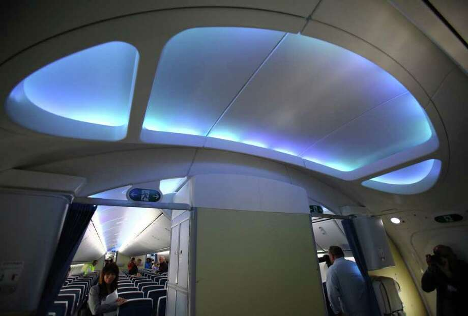 The cabin is shown in the second 787 destined for launch customer ANA. Photo: JOSHUA TRUJILLO / SEATTLEPI.COM