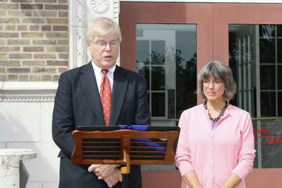 First Selectman Candidate John Lundeen and Board of Selectman Candidate Vickie Riccardo held a press conference outside Town Hall to promote their desire to bring back fiscal responsibility to Darien. Photo: Ben Holbrook