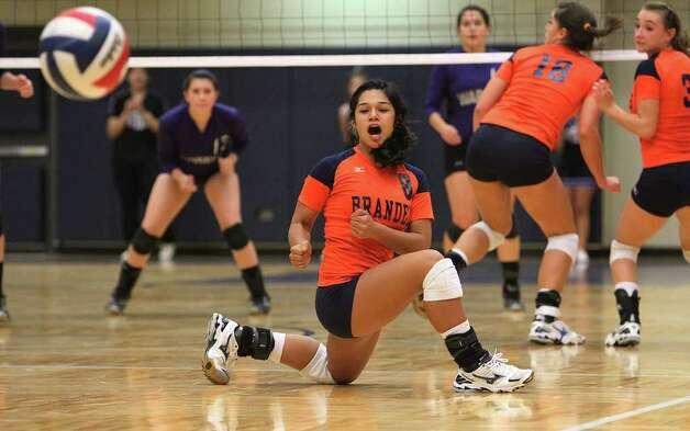 Brandeis' Brittany Gutierrez (08) reacts as she watches a Warren shot sail long during their match at Paul Taylor Fieldhouse on Tuesday, Sept. 27, 2011. Kin Man Hui/kmhui@express-news.net Photo: Kin Man Hui, -- / San Antonio Express-News