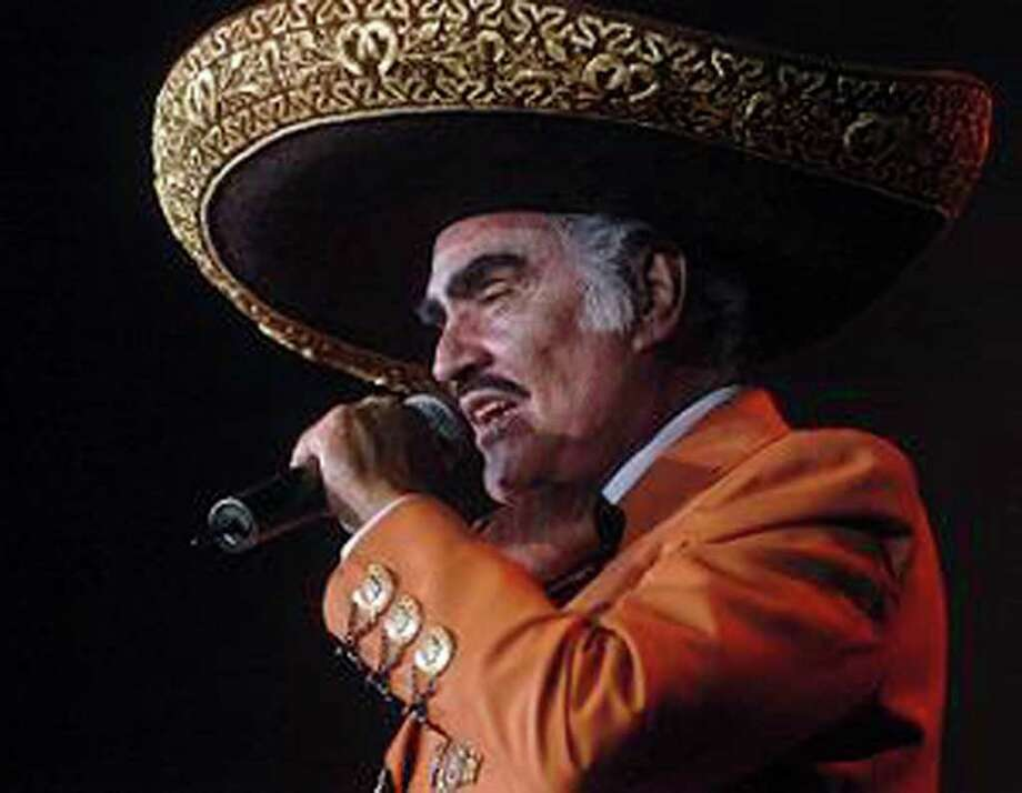 Ranchera king Vicente Fernandez returns to San Antonio for a concert Friday at the AT&T Center. EXPRESS-NEWS FILE PHOTO Photo: BILLY CALZADA, BILLY CALZADA / Gcalzada@express-news.net / SAN ANTONIO EXPRESS-NEWS
