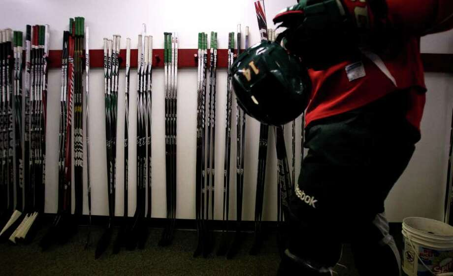PICK A STICK: Jon DiSalvatore exits the ice as he prepares for a third season with the Aeros. Photo: Brett Coomer / © 2011 Houston Chronicle