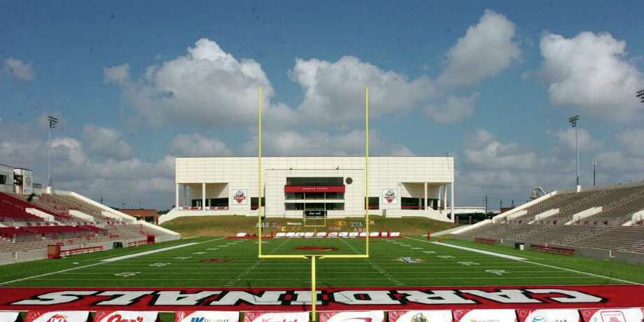 With less funding from the state and more students and the need for more cash, Lamar University president Jimmy Simmons wants to branch back into hosting major events, like concerts, conventions and circuses, at the Montagne Center and possibly Provost Umphrey Stadium. Photo: Pete Churton