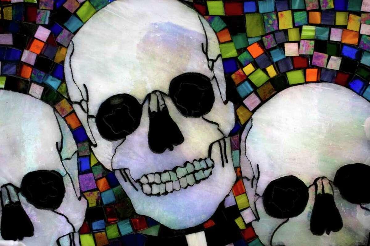 """""""Mi Familia, Mis Amigos, Mis Vecinos"""": a glass mosaic by Ruth Sosa Bailey."""
