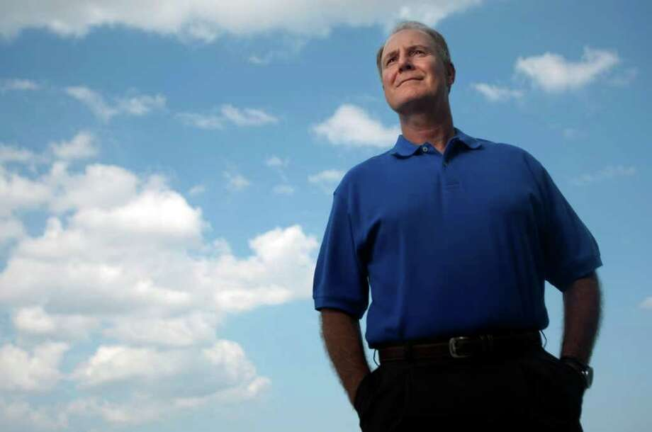 "Johnny Hanson : Chronicle SOUTHWEST LEADER: Gary Kelly, CEO of Southwest Airlines, says ""there's a lot of people who come to Southwest and may not shop anywhere else because they know we don't nickel and dime them."" Photo: Johnny Hanson / © 2011 Houston Chronicle"