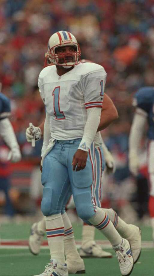 Warren Moon.  Houston Oilers at AFC wild-card playoff with the Buffalo Bills, 01/03/93.  ORCHARD PARK. Photo: Dave Einsel, Houston Chronicle / Houston Chronicle