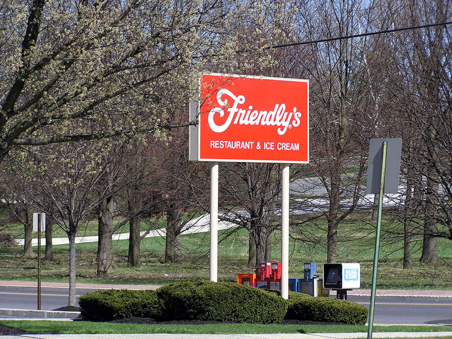 A Friendly's restaurant in Gettysburg, Pennsylvania. lcm1863/Flickr