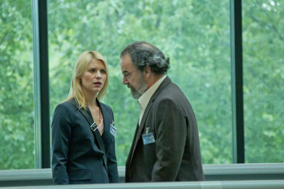 "Best performance by an actor in a supporting ole in a series, mini-series or motion picture made for television:Mandy Patinkin, ""Homeland"" / Copyright: Showtime 2011"
