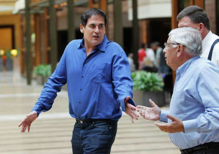Dallas Mavericks owner Mark Cuban, left, and NBA Commissioner David Stern talk during a break at the NBA basketball owners meeting at a hotel in Dallas, Thursday, Sept. 15, 2011. (AP Photo/LM Otero) Photo: LM Otero / AP
