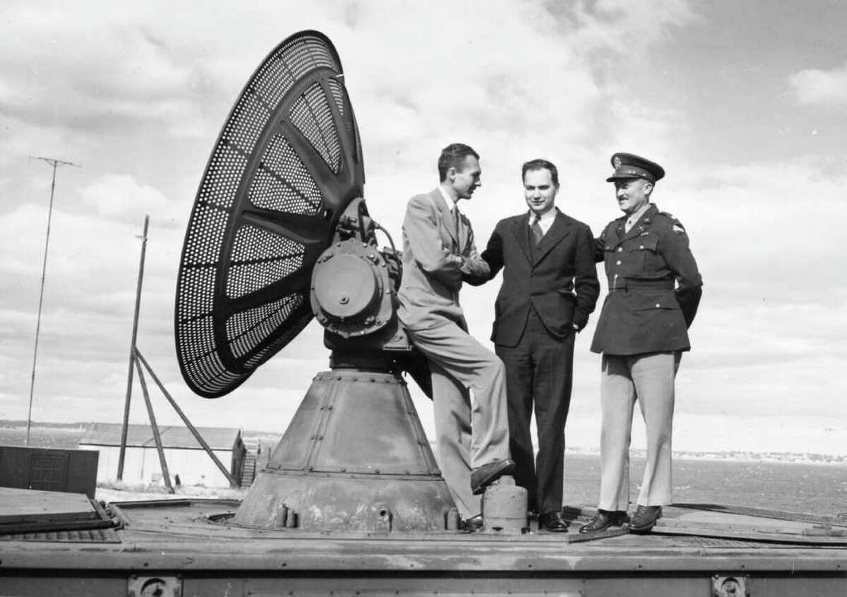 Lee Davenport, left, leaning against his radar invention, the SCR-584, in 1942, with Ivan Getting and Lt. Col. Arthur H. Warner. Davenport died Friday in Greenwich at age 95. Photo courtesy of the MIT Radiation Laboratory