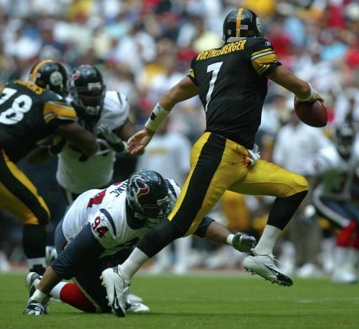 Steelers QB Ben Roethlisberger is an imposing figure in the pocket and on the run.