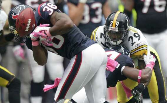 Houston Texans free safety Danieal Manning (38) fumbles the opening kickoff against the Pittsburgh Steelers during the first quarter of an NFL football game at Reliant Stadium on Sunday, Oct. 2, 2011, in Houston. The Texans recovered. Photo: Brett Coomer, Houston Chronicle / © 2011  Houston Chronicle