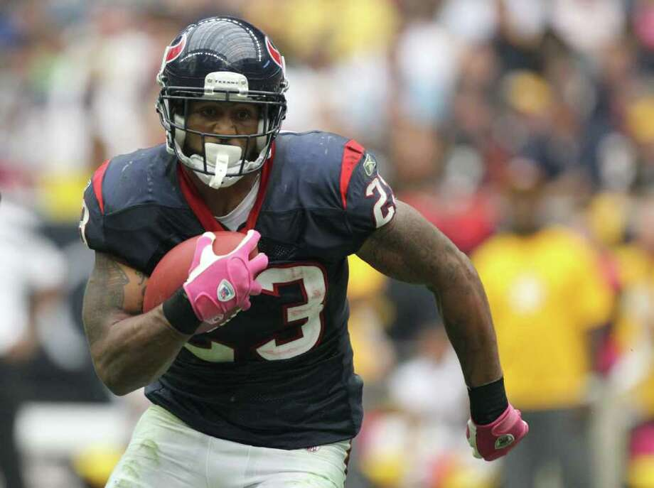 Houston Texans running back Arian Foster (23) runs for a first down against the Pittsburgh Steelers during the second quarter of a NFL football game at Reliant Stadium on Sunday, Oct. 2, 2011, in Houston. Photo: Nick De La Torre, Houston Chronicle / © 2011  Houston Chronicle