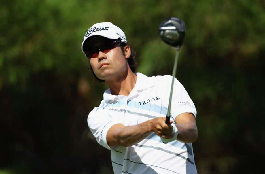 LAS VEGAS, NV - OCTOBER 02:  Kevin Na watches his tee shot on the first hole during the final round of the Justin Timberlake Shriners Hospitals for Children Open at the TPC Summerlin on October 2, 2011 in Las Vegas, Nevada.  (Photo by Scott Halleran/Getty Images) Photo: Scott Halleran / 2011 Getty Images