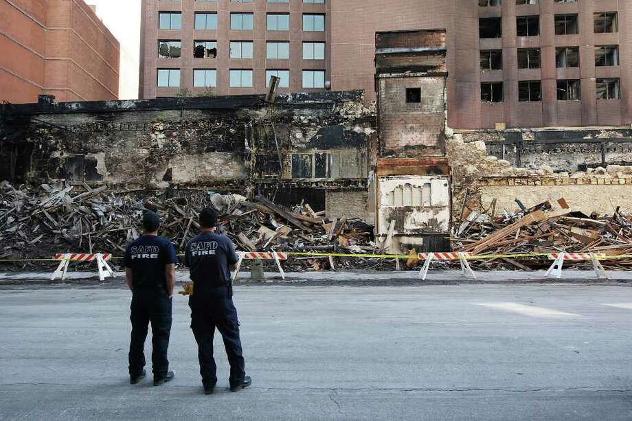 The Wolfson Building, built in 1880, was destroyed by a fire in October 2011. The property must be rezoned before any food truck court plans can proceed. Photo: Jerry Lara/glara@express-news.net / SAN ANTONIO EXPRESS-NEWS