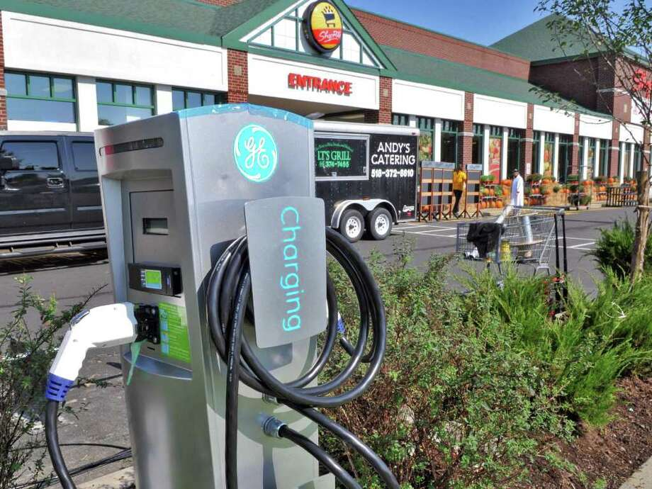 Vehicle charging station in the parking lot of  the new ShopRite store in Niskayuna Friday Sept. 30, 2011.   (John Carl D'Annibale / Times Union) Photo: John Carl D'Annibale / 00014816A