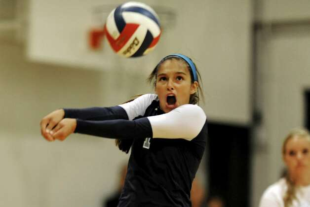 Johnson's Ayssa Garcia had 32 digs in the Jaguars' first victory against Reagan and served up six aces against Lee as her team improved to 6-0 in District 26-5A. Photo: John Albright/Special To The Express-News / John Albright / www.johnalbrightphoto.com