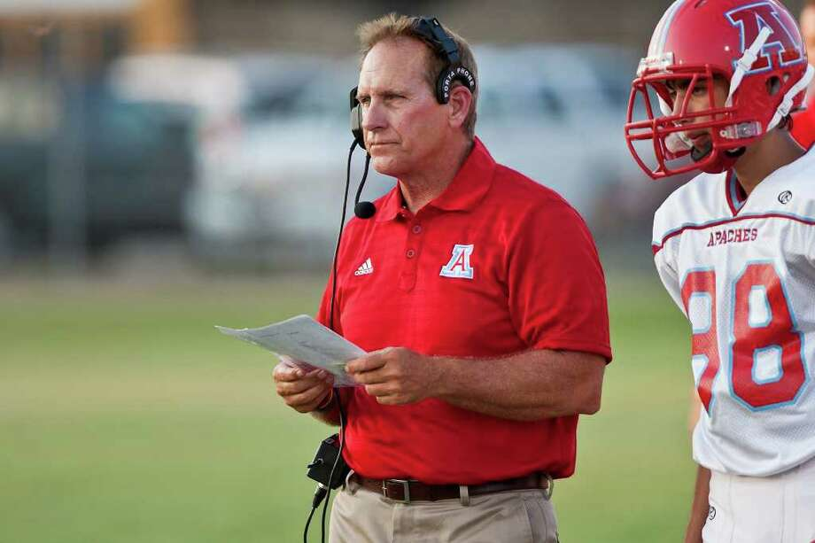 """Antonian coach Van Fuschak calls the situation """"unbelievable."""" Photo: Marvin Pfeiffer/mpfeiffer@express-news.net"""