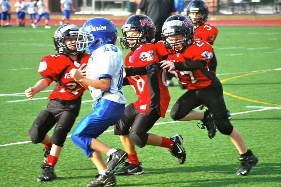 New Canaan Third Grade Red Football Wins Defensive Struggle Against