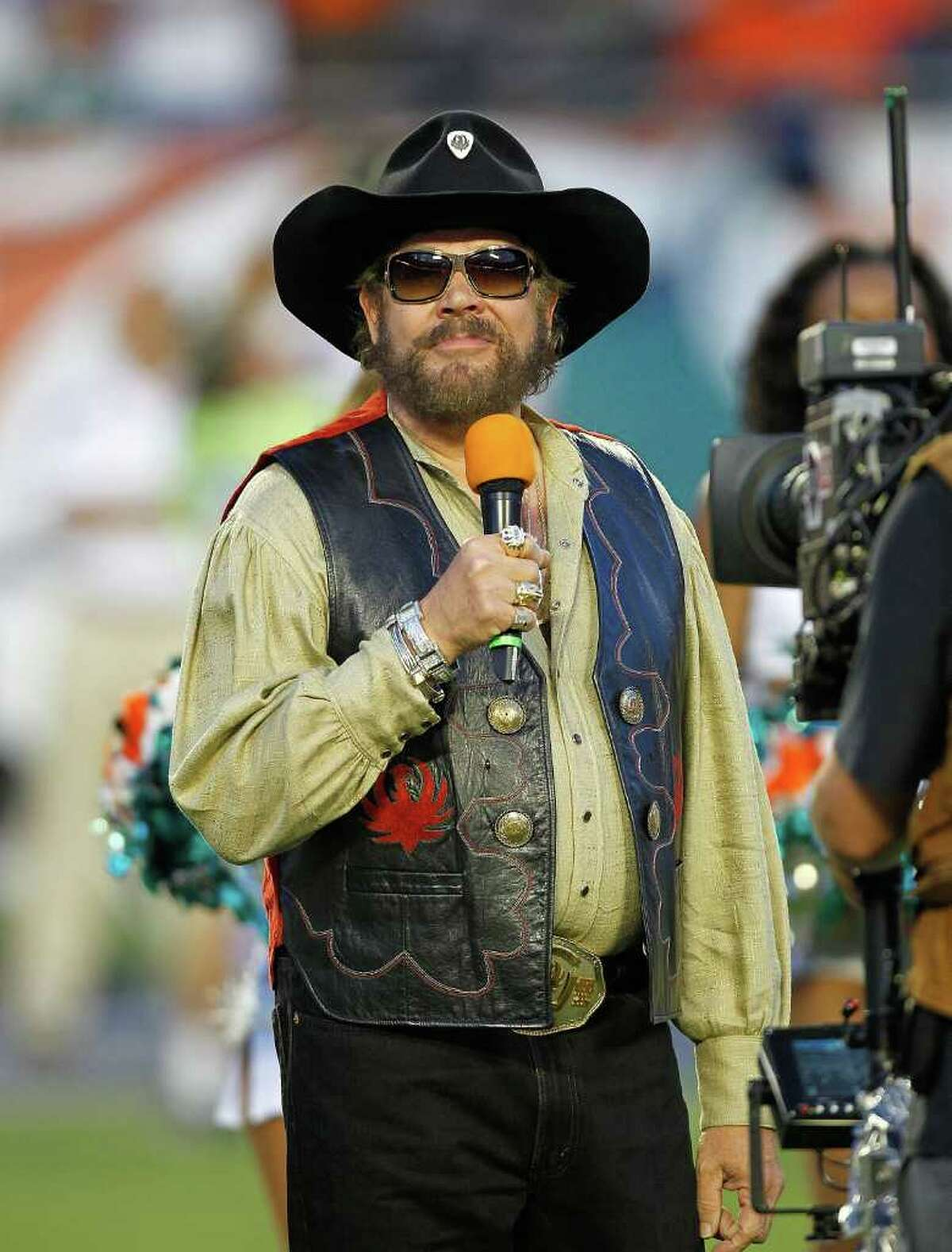 Hank Williams' Monday Night Football song was pulled from ESPN after he said President Obama's golf outing with John Boehner was