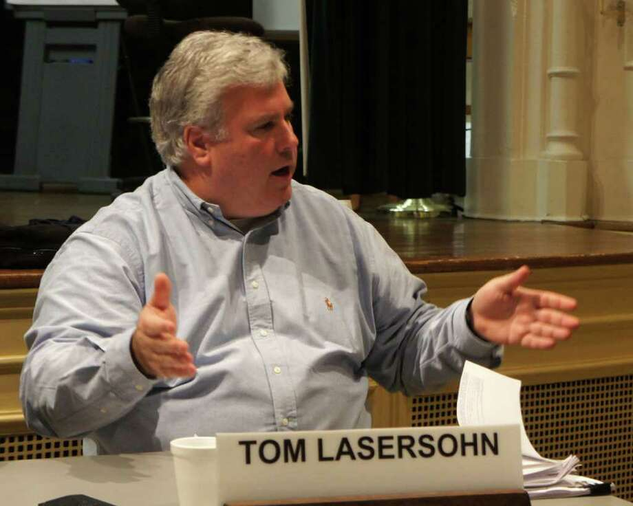 Westport Board of Finance member Tom Lasersohn questions the figures presented Wednesday by First Selectman Gordon Joseloff's administration on the obligations for retiree health-care benefits. Photo: Paul Schott / Westport News