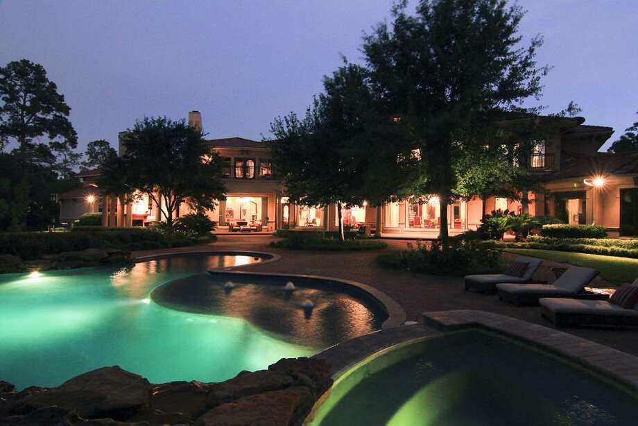 The rear view of the home during the evening hours. Photo: RealEstate.MarthaTurner.com