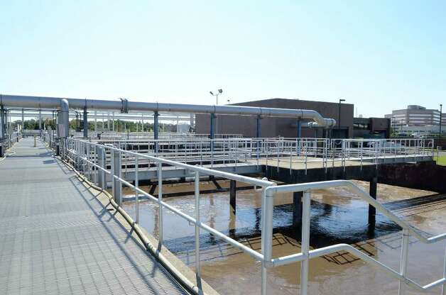 After passing through aerating tanks, water goes to denitrification tanks at Stamford's Water Pollution Control Authority (WPCA) facility on Harbor View Ave. on Oct. 6, 2011. Photo: Shelley Cryan / Shelley Cryan freelance; Stamford Advocate freelance