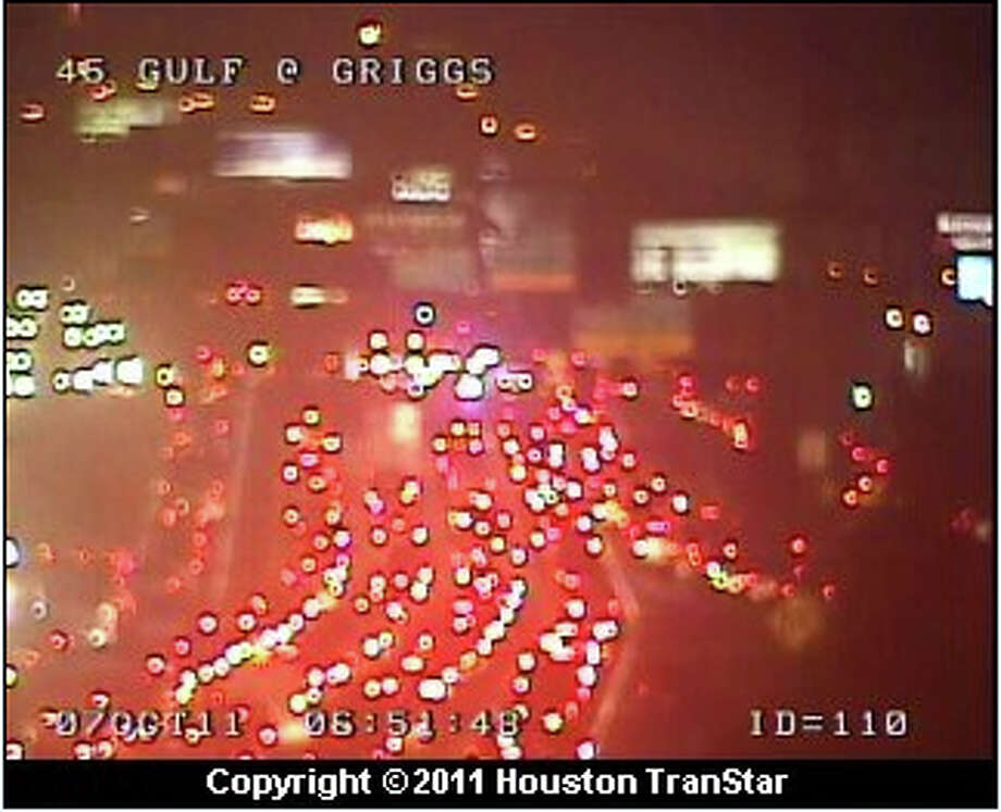 Gulf Freeway at Griggs just before 7 a.m. today. (HoustonTranstar)