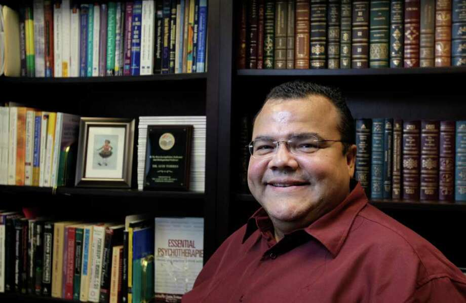 Luis Torres, la clave de la salud mental del inmigrante. Photo: Melissa Phillip / © 2011 Houston Chronicle