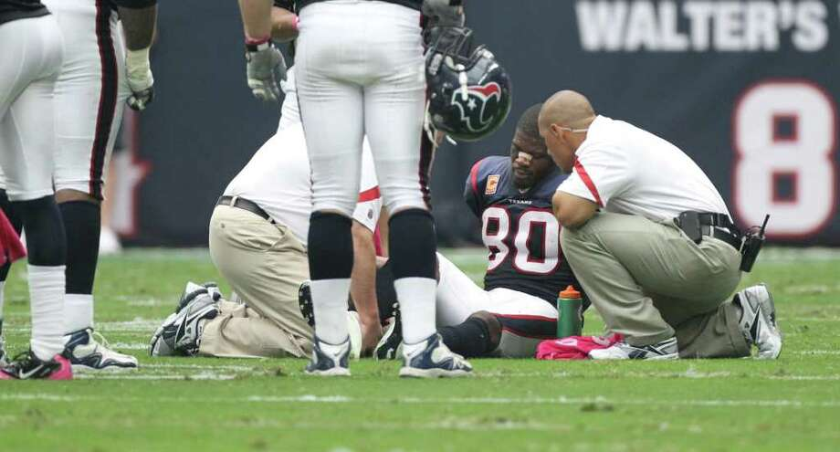 The Texans' Andre Johnson had a procedure on his hamstring after injuring it against the Steelers. Photo: Nick De La Torre / © 2011  Houston Chronicle