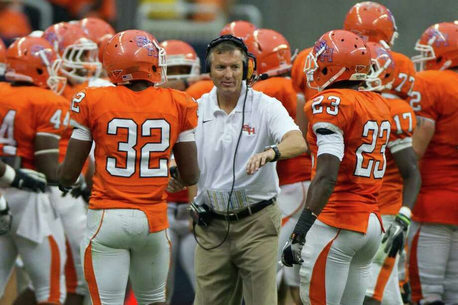 Under head coach Willie Fritz (pictured) and defensive coordinator Scott Stoker, the Bearkats have improved significantly on defense. Photo: Smiley N. Pool, Houston Chronicle / Houston Chronicle