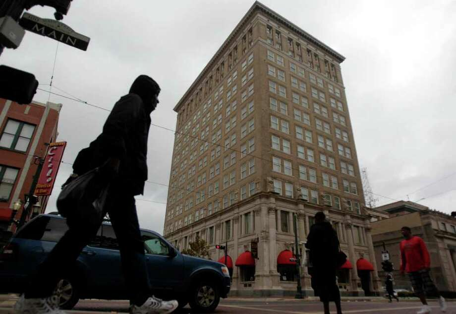 Downtown's Hotel Icon will become a Marriott Autograph Collection location this month. The property at 220 Main once was the Union National Bank building. Photo: Johnny Hanson / Houston Chronicle