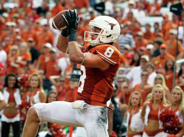 Jaxon Shipley hauls in a touchdown pass in the fourth quarter as the Texas Longhorns play the Oklahoma Sooners at the Cottom Bowl in the Red River Rivalry   October 8, 2011.  Tom Reel/Staff Photo: TOM REEL, Tom Reel / Treel@express-news.net / © 2011 San Antonio Express-News