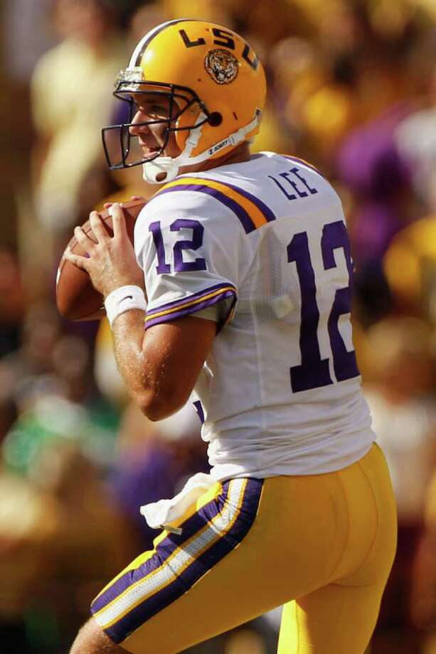 BATON ROUGE, LA - OCTOBER 08:  Jarrett Lee #12 of the Louisiana State University Tigers looks to throw a pass during the game against the Florida Gators at Tiger Stadium on October 8, 2011 in Baton Rouge, Louisiana.  (Photo by Chris Graythen/Getty Images) Photo: Chris Graythen