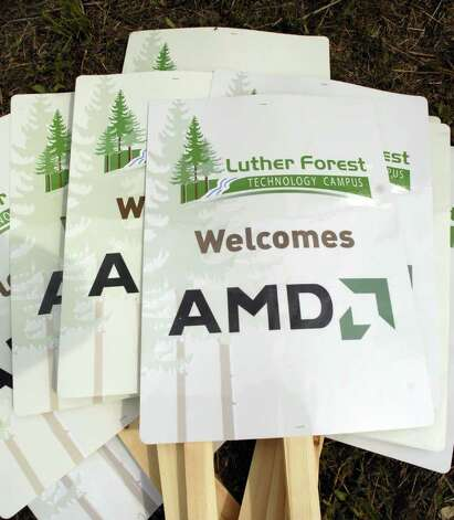 TIMES UNION STAFF PHOTO WILL WALDRON--Placards welcomed AMD to the Luther Forest Tech Campus in Malta during a press conference Friday afternoon June 23, 2006. Photo: WW / ALBANY TIMES UNION