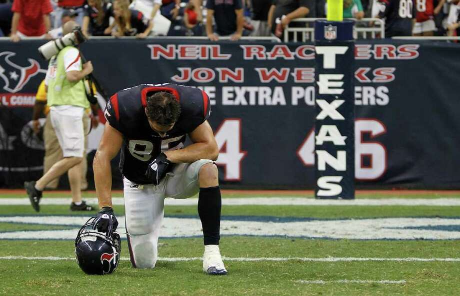Houston Texans tight end Joel Dreessen (85) dejects after their loss to the Oakland Raiders after an NFL football game at Reliant Stadium, Sunday, Oct. 9, 2011, in Houston. Raiders won the game 25-20. Photo: Karen Warren, Houston Chronicle / © 2011 Houston Chronicle