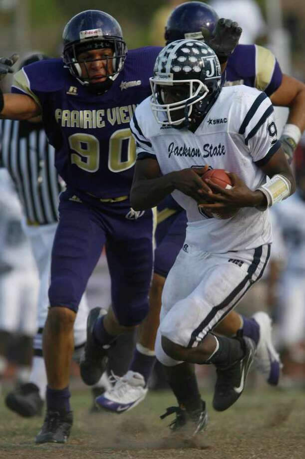 Quinton Spears (90) was a three-time All-Southwestern Athletic Conference defensive end during his time at Prairie View A&M. Photo: Melissa Phillip, Houston Chronicle / Houston Chronicle