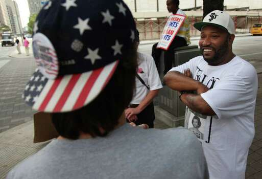 Rapper Bun B stands in solidarity with Occupy Houston protesters staging at City Hall on Tuesday, Oct. 11, 2011, in Houston. Photo: Mayra Beltran, Houston Chronicle / © 2011 Houston Chronicle