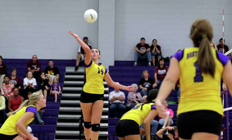 Carlyn Stella (14)Middle blocker/outside hitter, Montgomery Photo: Johnny Hanson, Houston Chronicle / © 2011 Houston Chronicle