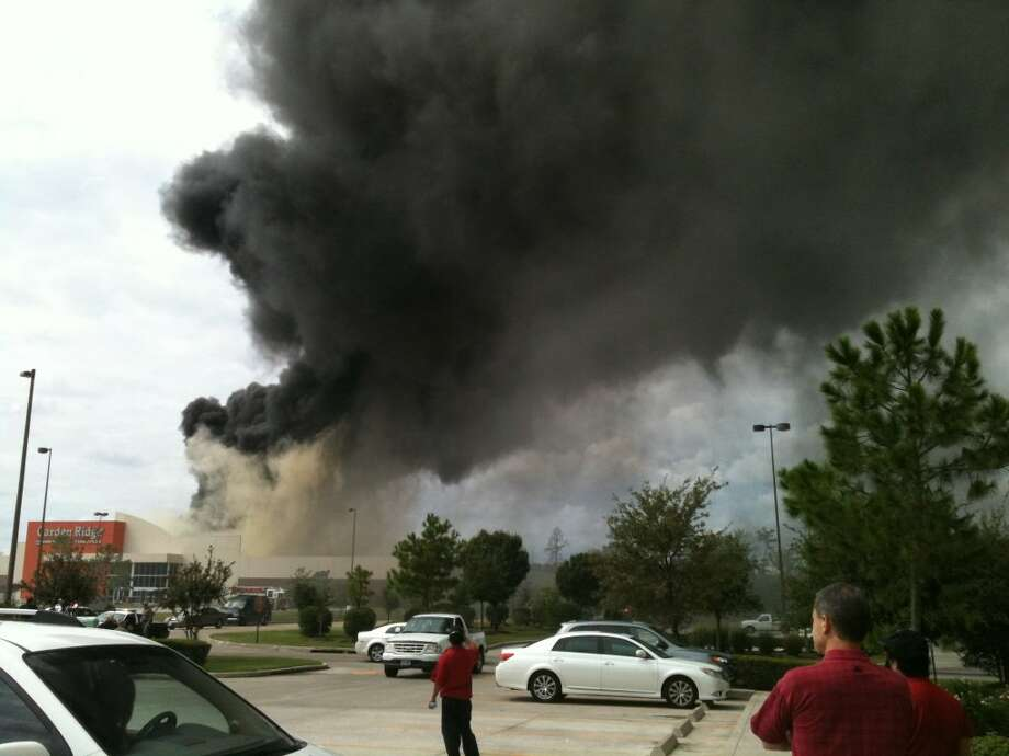 2 alarm fire burns Conroe store Houston Chronicle
