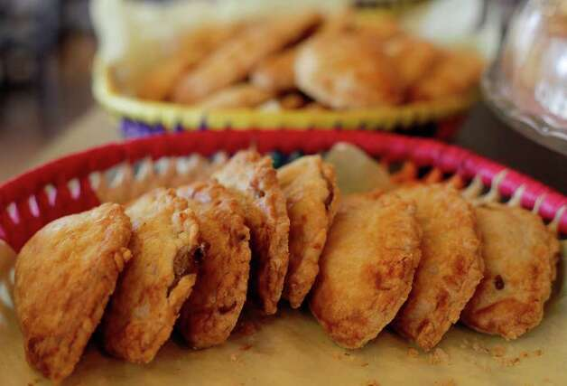 Empanadas from Vida Mia. Photo: Kin Man Hui, SAN ANTONIO EXPRESS-NEWS / San Antonio Express-News