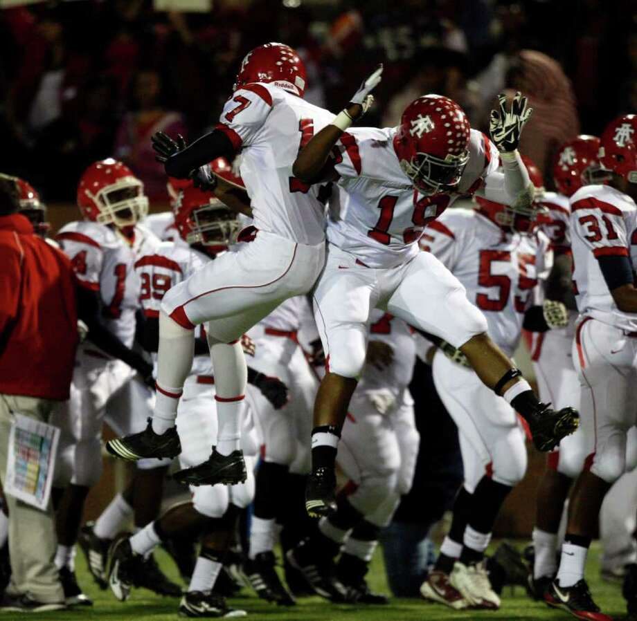 5. Alief Taylor (4-2)Rushing yards allowed per game: 83.9.Passing yards allowed per game: 108.7.Total yards allowed per game: 192.6.Points allowed per game: 14.0. - The Lions are in contention for the District 18-5A title. If they can keep stopping opponents' use of the ground game in a run-heavy district, they will be tough to beat. Photo: Bob Levey, For The Chronicle / Freelance
