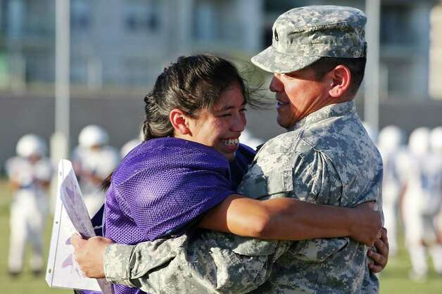Staff Sgt Raul Aguilar Gets A Welcome Home Hug 1666985