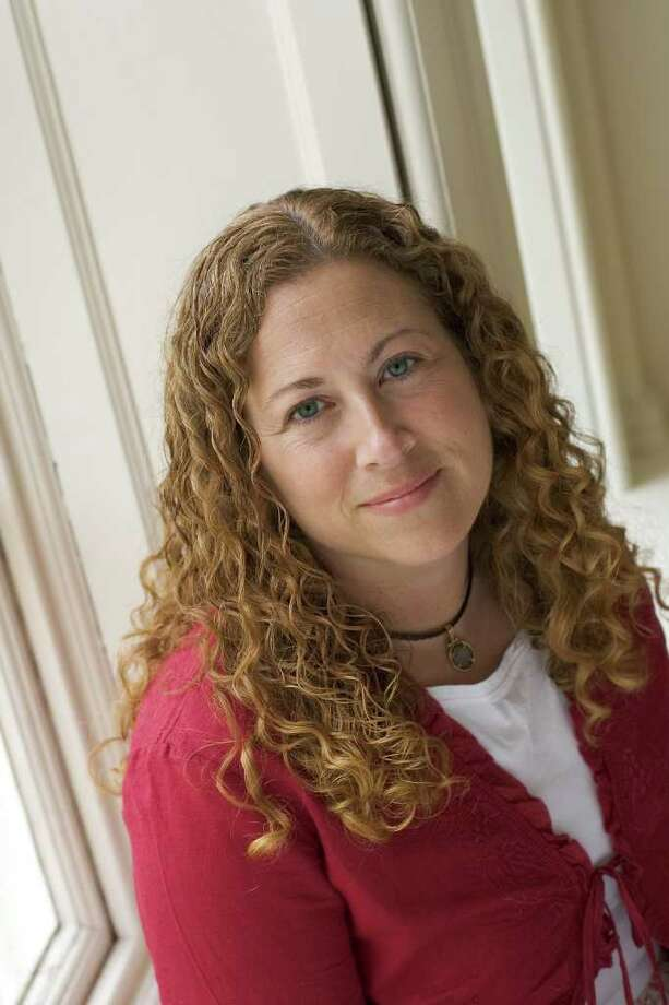 Bestselling writer Jodi Picoult will talk about the influence of Mark Twain on her work during a special panel discussion at New Haven's Woolsey Hall on Tuesday, Oct. 18. Photo: Contributed Photo
